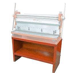 Gabinete de Trabalho para Máquina Universal para Chapas MR-3000