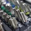 Kit Parafusadeira/Furadeira Black+Decker CD961 3/8 Pol. com Bateria 9,6V Bivolt + Jogo de Bits FortG Pro FG8740 1/4 Pol. 32 Peças  - Imagem 5