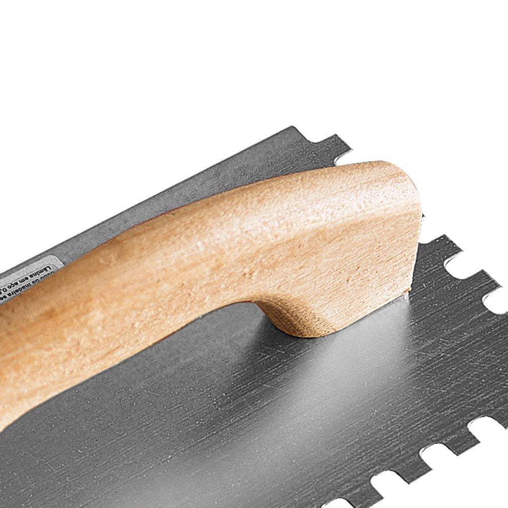 Desempenadeira Dentada de Aço 12 x 24 cm com Cabo de Madeira - Imagem zoom
