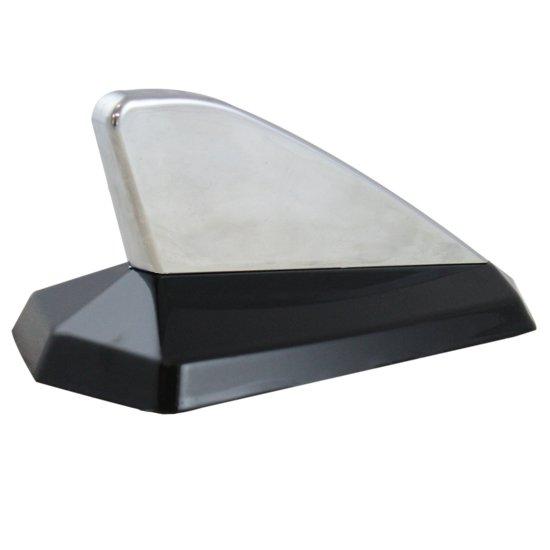 Antena Decorativa Tipo Tubarão - Cromado / Preto  - Imagem zoom