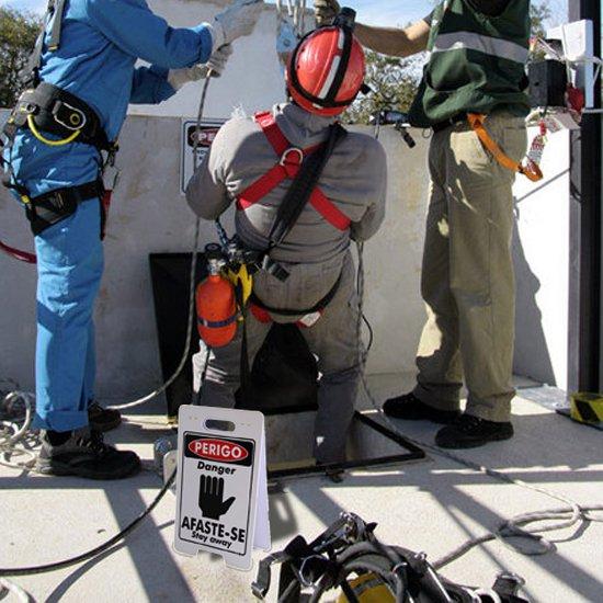 Placa Sinalizadora Dobrável / Cavalete de Perigo Afaste-se Bilíngue - Imagem zoom