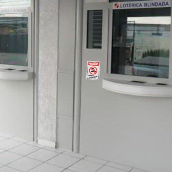 Placa Sinalizadora Proibido Entrar com Capacete  - Imagem zoom